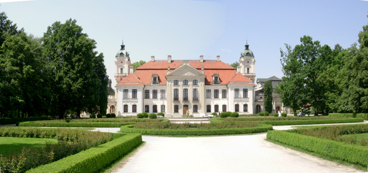 kozlowka_palace_back_2007